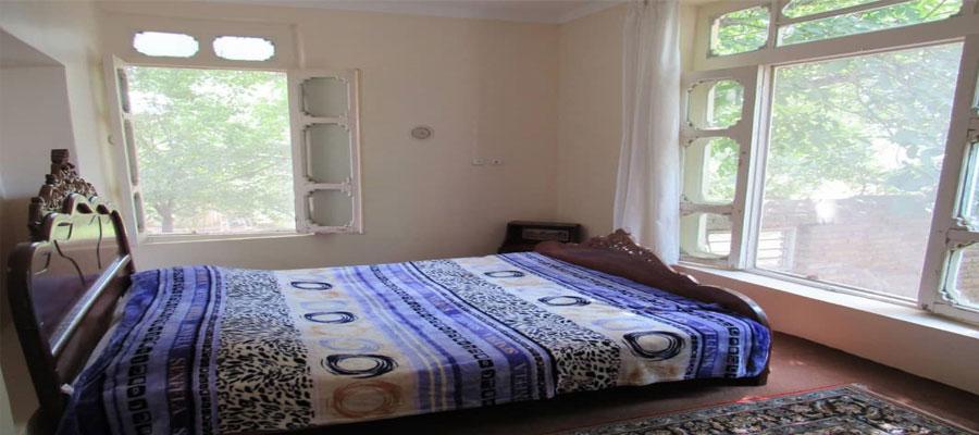 اجاره روزانه خانه مبله ارزان در تبريز - كليبر با حياطي ۲۰۰متري