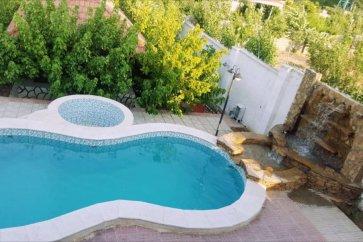 اجاره ویلا باغ لوکس با استخر در شیراز