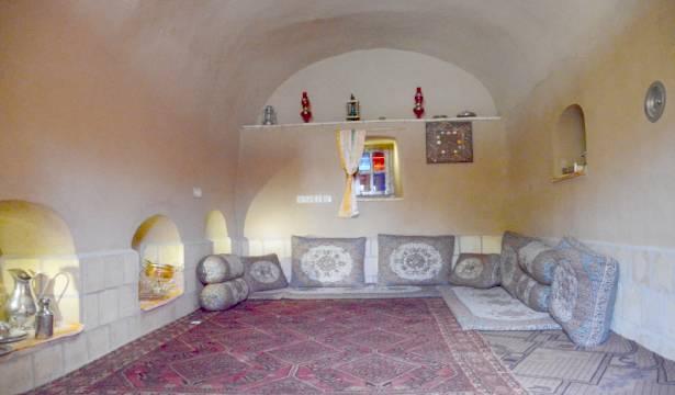 اجاره اقامتگاه بوم گردی کوه سنگی در یزد