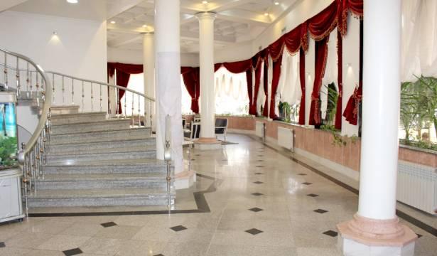 رزرو هتل دوستاره آفریقا اتاق سه تخته در مشهد