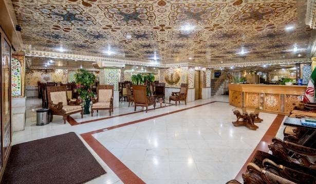 رزرو هتل سه ستاره صفوی اتاق یک تخته در اصفهان