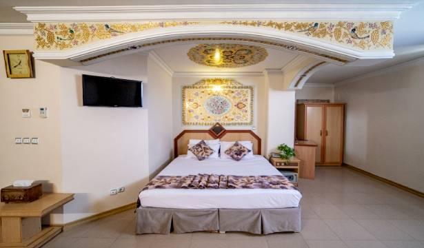 رزرو هتل سه ستاره صفوی اتاق دو تخته رویال در اصفهان با امکانات رفاهی